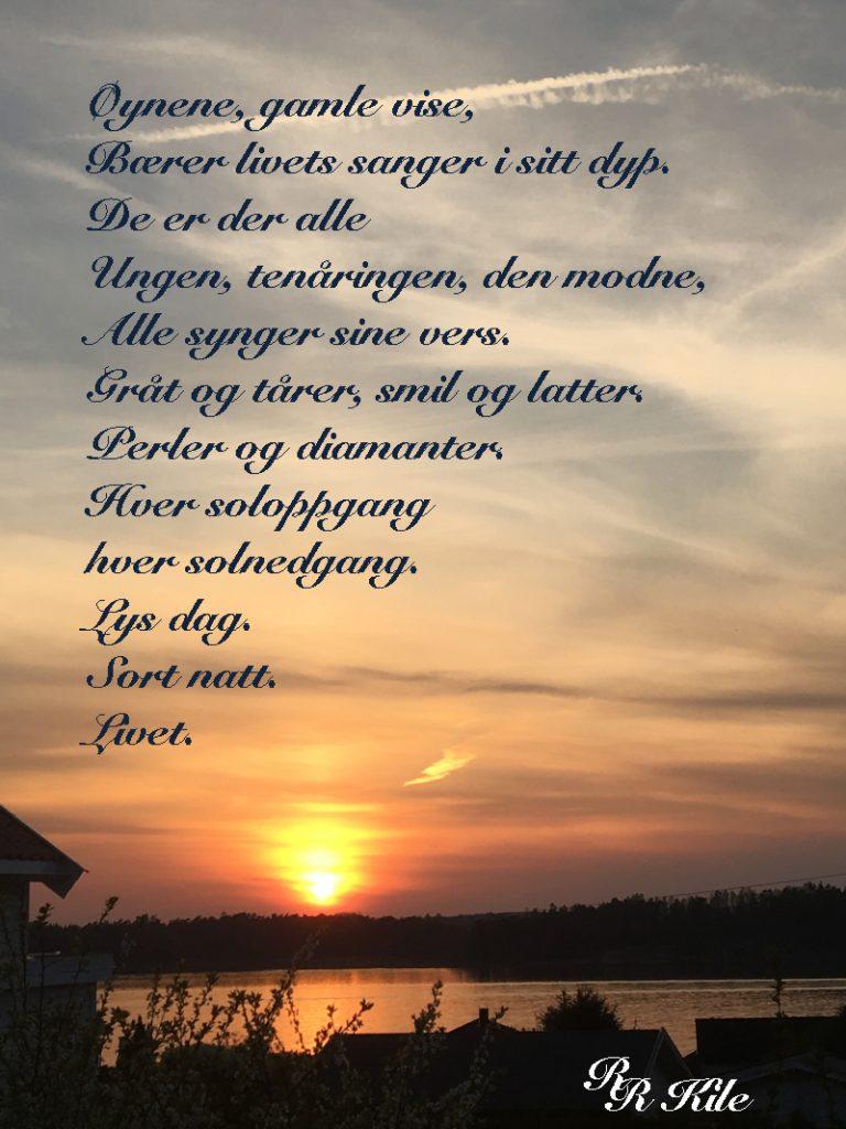 Ord og dikt, vers, lyrikk, poesi,  poem, versemål, verselinjer, ordlek, mennesker og ord med en regnbue i mellom, la oss danse tango med trærne i kveld, min elskedes hender på min hud, det danser rødme over himmelen i kveld, øyne bærer livets sanger i sitt dyp. forfatter R.R. Kile.