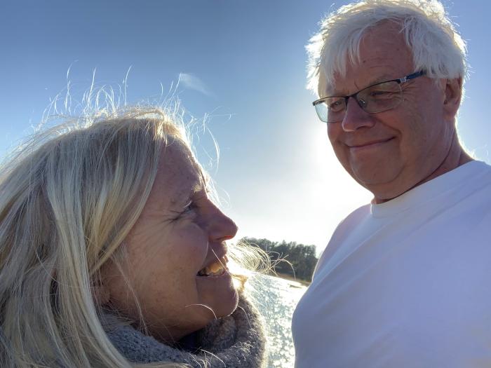 Poem, tårer av is, denne kjærligheten, så vanskelig å forstå, som verdens folk kan gneldre eldre når de burde elske, vers, lyrikk, forfatter R.R. Kile